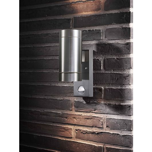 Sartano - Væglampe Orø med sensor GU10 - aluminium